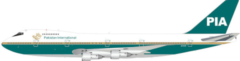 Inflight 200 PIA Pakistan International Airlines Boeing 747-200 AP-AYW with stand Scale 1/200 IF742PK1220
