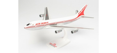 Herpa Snap-fit Air India Boeing 747-200 - VT-EBE Emperor Shahjehan Scale 1/250 613378