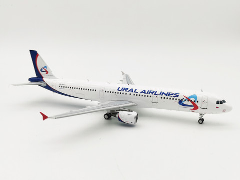 Aviaboss models Ural Airlines Airbus A321-200 VQ-BOZ Scale 1/200 A2052