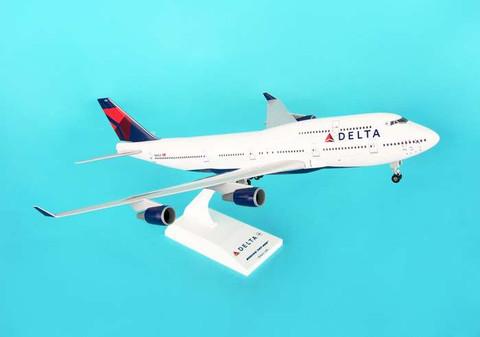 Skymarks Delta Boeing 747 with gear Scale 1/200 SKR508