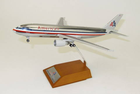 JC WINGS  AMERICAN A300-600R N14056 POLISH WITH STAND SCALE 1/200