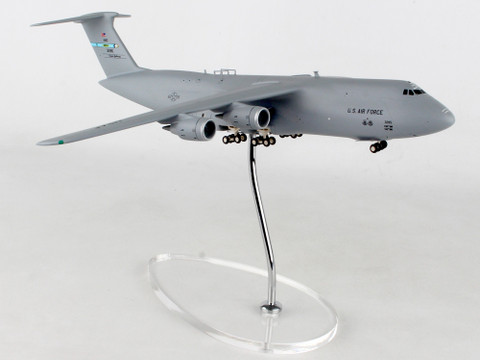 Herpa Wings  US Air Force Lockheed C-5M Super Galaxy 9th Airlift Squadron Proud Pelicans 436th Airlift Wing Dover Air Base Spirit of Old Glory 83-1285 Scale 1/200