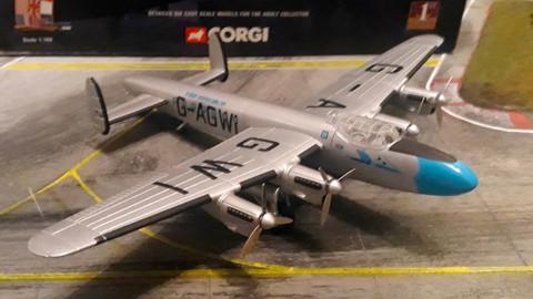 Corgi Lancastrian Flight Refueling Scale 1/144 AA47403 BX3