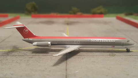 Herpa Northwest DC-9 Scale 1/500 526333