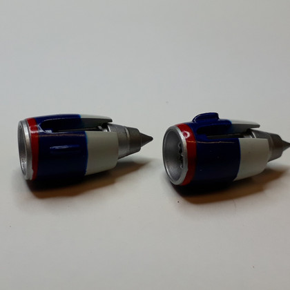 """Delta engine x2 """"Maybe DC-10"""" Scale 1/400"""