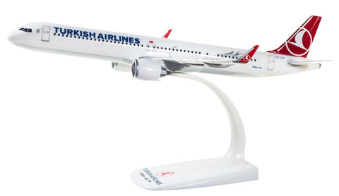 Herpa Snapfit Turkish Airlines Airbus A321neo Scale 1/200 612210
