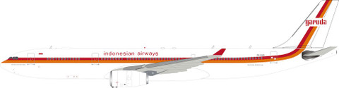 Inflight 200 Garuda Indonesia Retro PK-GHD With Stand Scale 1/200 IF333GA0419