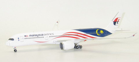 JC Wings Malaysia Airlines Negaraku livery Airbus A350-900 9M-MAC With Stand  Scale 1/200 JCLH2119