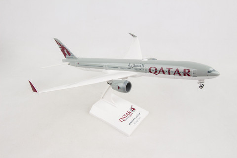 Skymarks Qatar Boeing 777-9 with gear and flexi wingtips  Scale 1/200 SKR1014