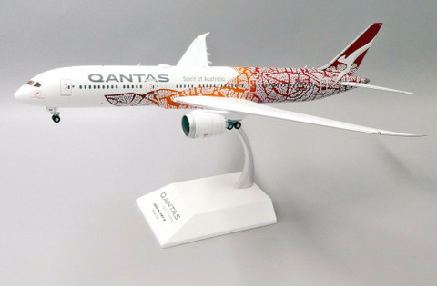 JC Wings Qantas Emily - Balarinji Boeing 787-900 VH-ZND with stand Scale 1/200 EW2789001