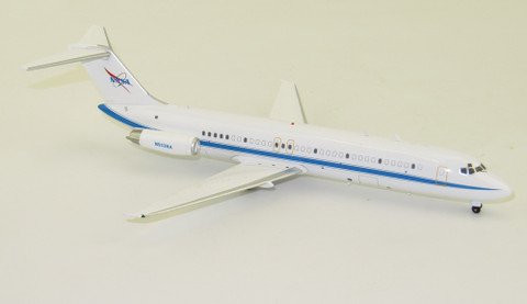 Inflight 200 NASA Douglas DC-33F  N932NA Polished With Stand Scale 1/200 IF932NASA01
