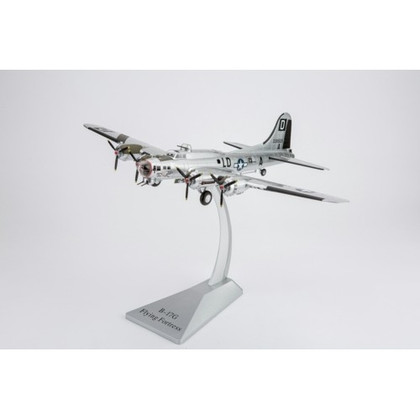 Air Force One B17 Flying Fortress the Bloody 100th BG 418TH BS 43-38525 Miss Conduct RAF Thorpe Abbots England 1944 Scale 1/72 AF1-0110C