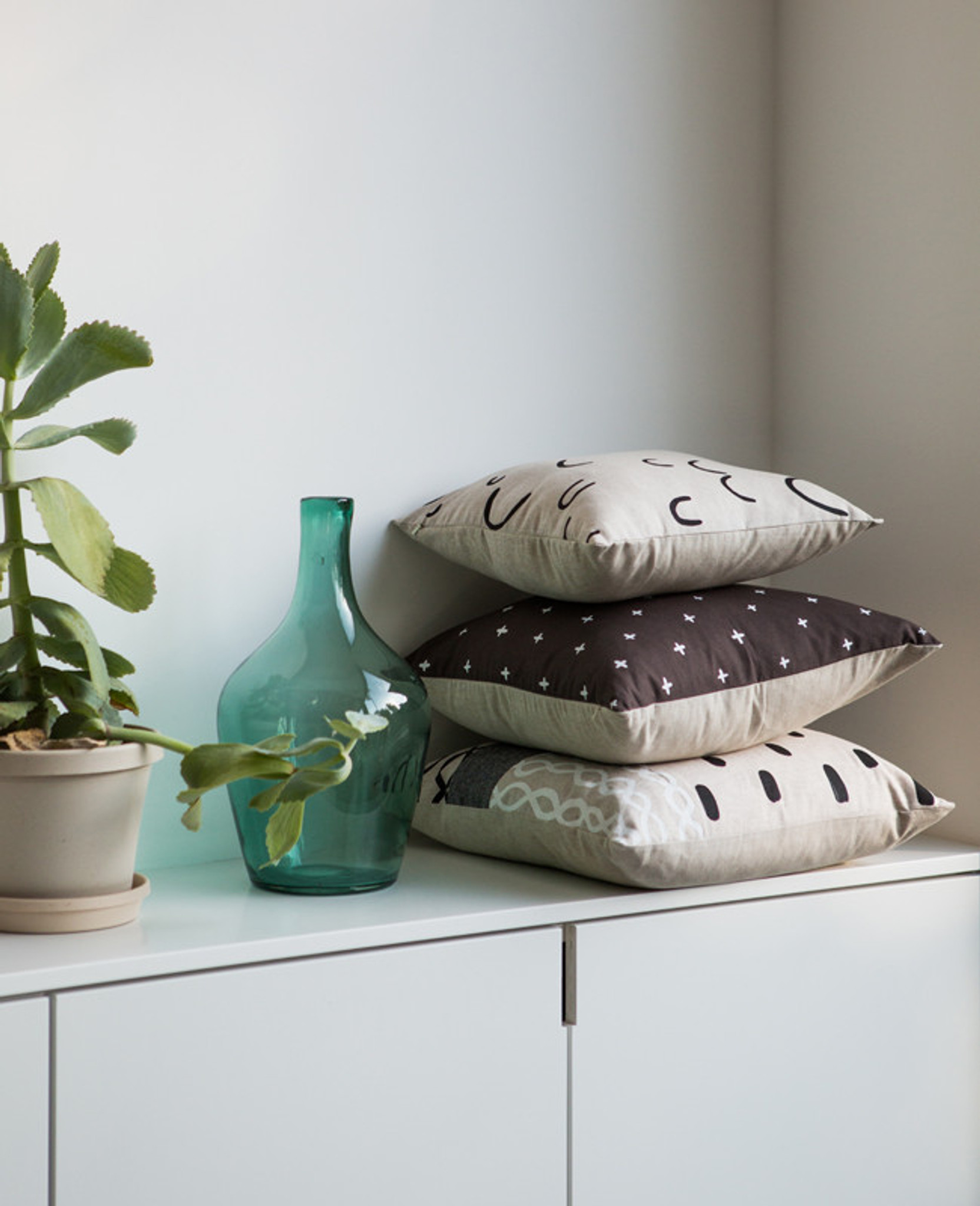 Hills + Valleys Linen Pillow
