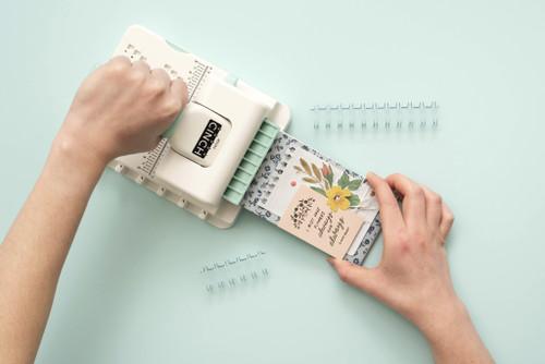 We R Memory Keepers - Mini Cinch Binding Tool
