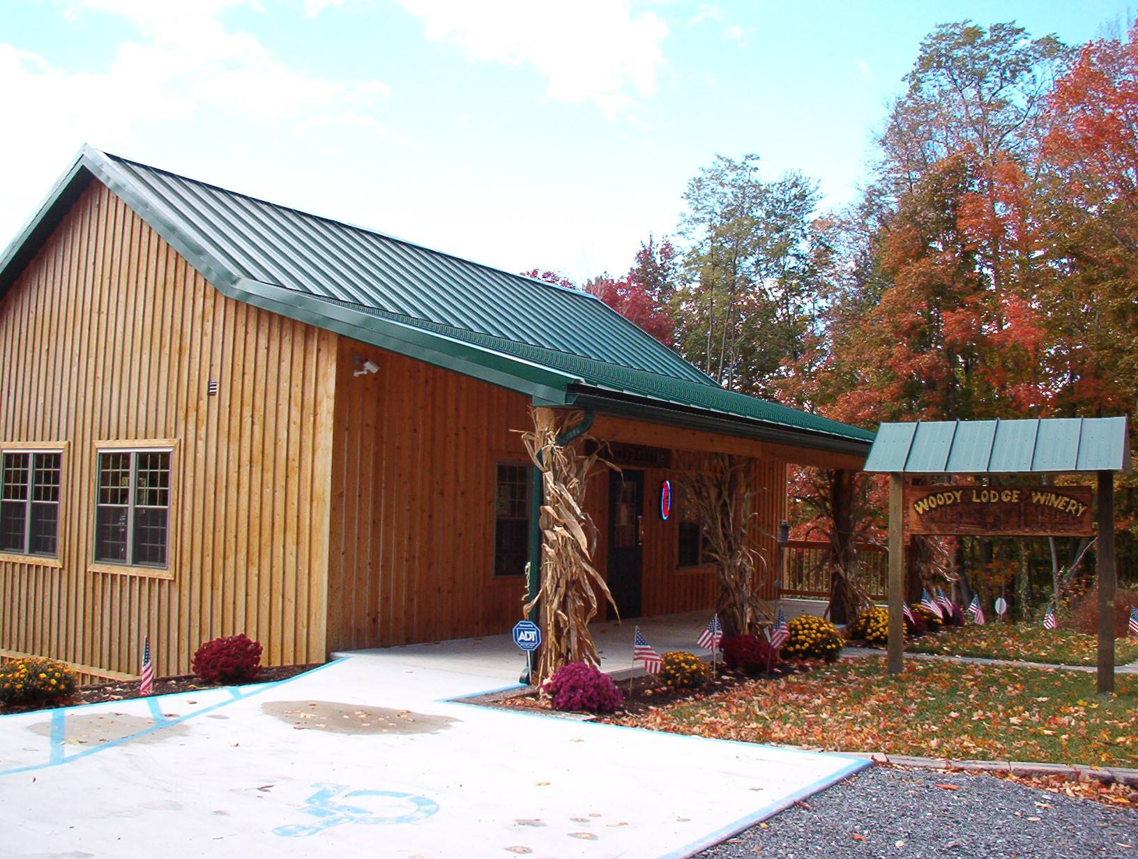 woody-lodge-winery-picture.jpg