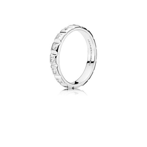 Utzon Jewellery Copenhagen – Smykker – Pyramidering i sølv med hvid topas