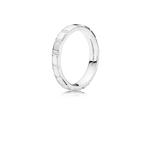 Utzon Jewellery Copenhagen – Smykker – lille pyramide ring i sølv