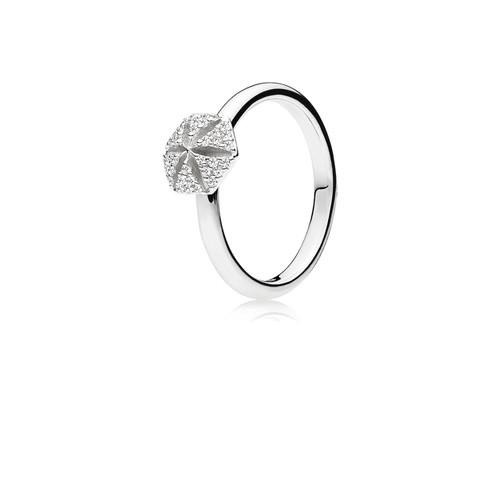 Utzon Jewellery Copenhagen – Smykker – Hexagon ring i sølv med hvide safirer