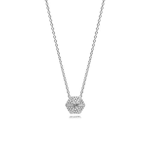Utzon Jewellery Copenhagen – Smykker – Hexagon halskæde i sølv med hvide safirer.