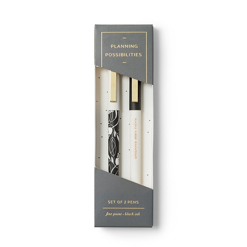 Front of pen set.