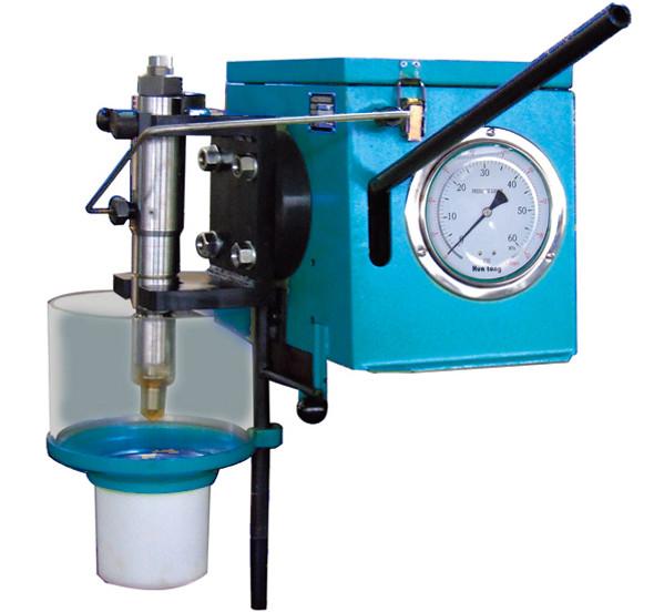 L27/38 52000-12-050 I  Pressure testing tool