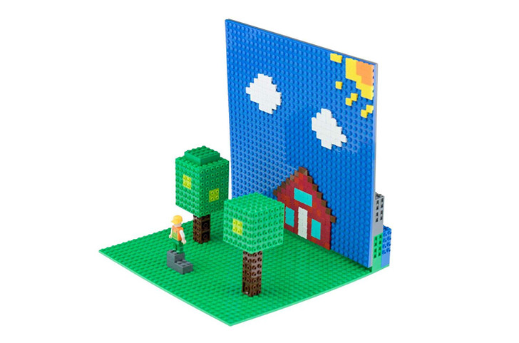 Strictly Briks Classic Baseplate Diorama | STEM and Creativity Toys | Building Bricks Display Compatible with All Major Brands