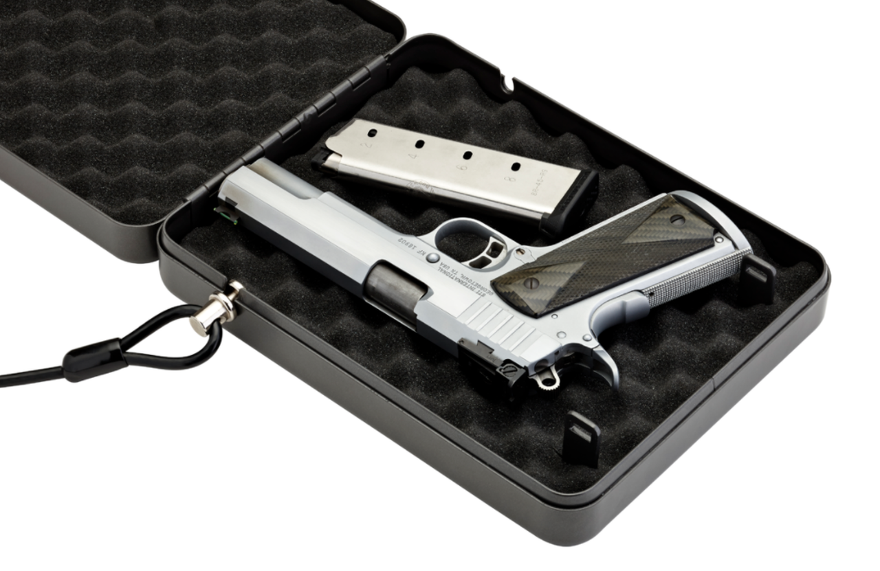 Fits 1911 size pistols and 4-inch revolvers.