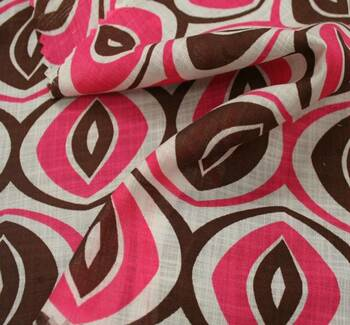 Cotton Voile Print 7M342 Chocolate/Hot Pink