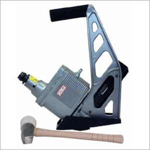 Senco SHF50  16 gauge Pneumatic Hardwood Flooring Nailer New w/Mallet