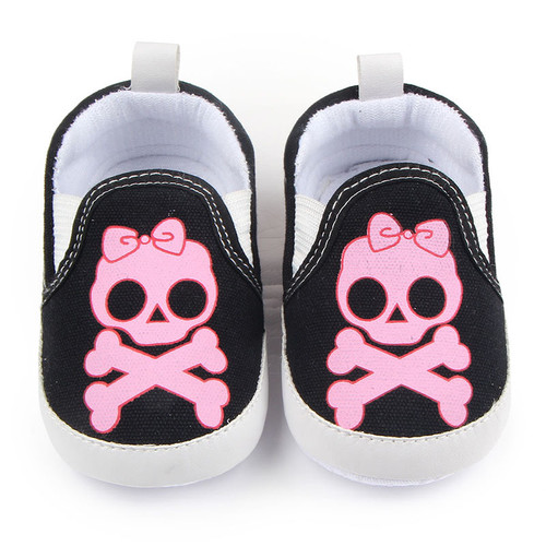 Pink skull baby girl shoes, baby girl skull and crossbones shoes, pirate baby girl shoes, rock and roll baby shoes, baby gift for cool new parents, badass baby shoes, pink skull shoes for infants, skull with pink bow canvas baby shoes