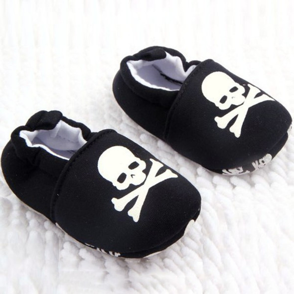 Black and white skull baby shoes, baby skull and crossbones shoes, pirate baby shoes, rock and roll baby shoes, baby gift for cool new parents, badass baby shoes, skull shoes for infants