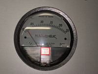 Magnehelic Gauge by Cleanroom World