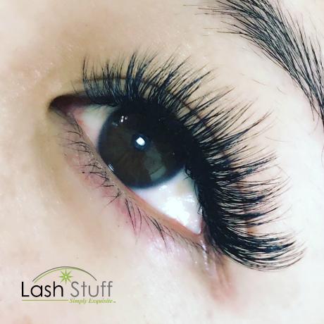 Woman wearing volume eyelash extension
