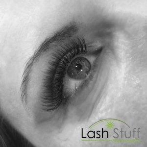 lash-artist-of-the-week-emily-turner-photo-of-eyelash-extensions-by-lash-stuff.jpg