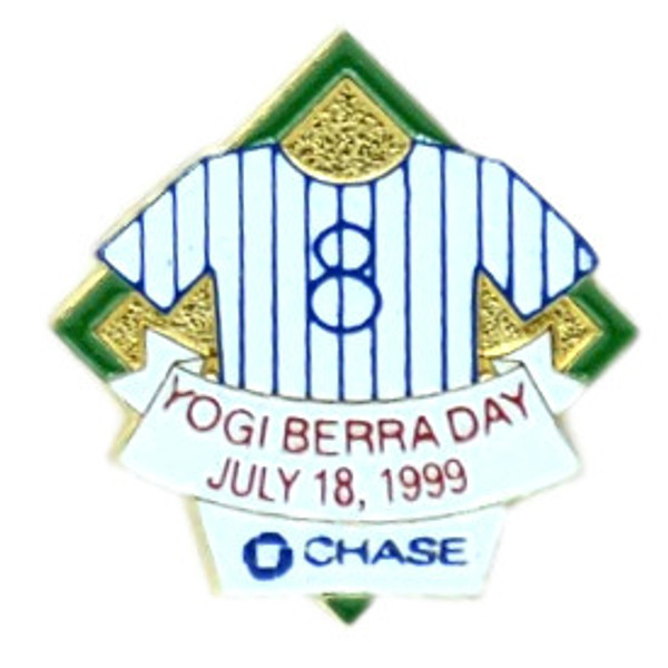 New York Yankees 1999 Yogi Berra Day Stadium Chase Pin