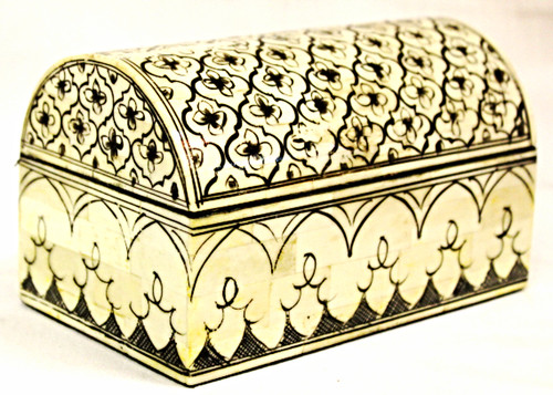 Beautiful hand-painted box from Thailand, oriental boxes, trinket box, small chest, jewelry box, jewelry box bone, jewelry box painted, gift for her, jewelry chest,