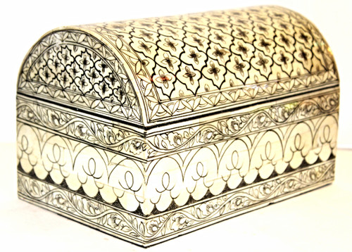 Beautiful hand-painted box from Thailand, oriental boxes, trinket box, small chest, painted box, jewelry box, organizer, jewelry box bone, jewelry box painted, jewelry box black and white
