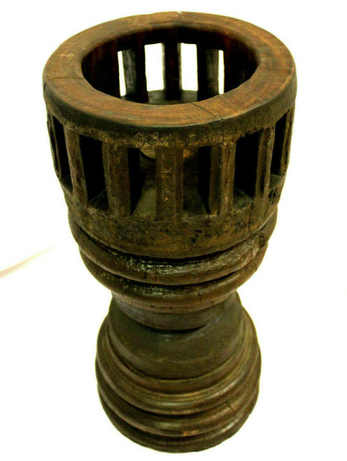 axle, wooden axle, antique axle