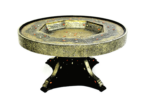 moroccan dining table, moroccan round table, round table, round table moroccan, dining table, dining table metal, high end furniture, upscale furniture, centerpiece, centerpiece moroccan, handmade furniture, moroccan home decor, home design ideas, moroccan home design