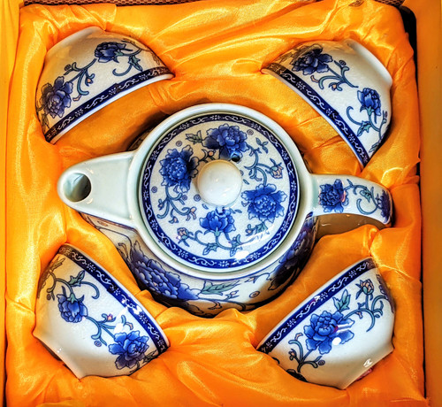 tea set, Asian tea set, Chinese tea set, tea set for 4, ceramic tea set, traditional tea set, painted tea set, nice gift, blue flowers, blue tea set, tea pot with cups, Chinese tea pot,