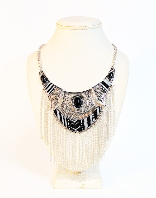 fashion jewelry, moroccan fashion jewelry, moroccan necklace, black and white necklace, black and white, fabric jewelry, necklace with chains, silver necklace, jewelry with chains, moroccan jewelry, african jewelry