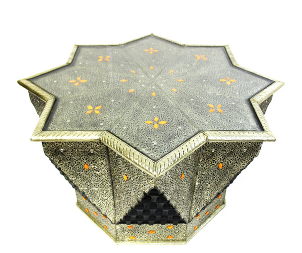 moroccan centerpiece table, star table, moroccan star table, centerpiece table, moroccan home decor, metal furniture, large table, coffee table, moroccan coffee table, high-end furniture, lux furniture, eight point star, octagon table
