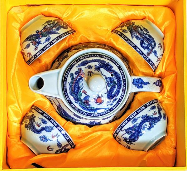 tea set, Asian tea set, Chinese tea set, tea set for 4, ceramic tea set, traditional tea set, painted tea set, nice gift, tea pot with cups, Chinese tea pot, blue dragon, 2 dragons, dragon sun, blue tea set,