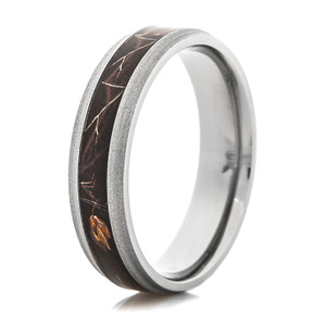 Men's Narrow Titanium Realtree® AP Black Camo Ring