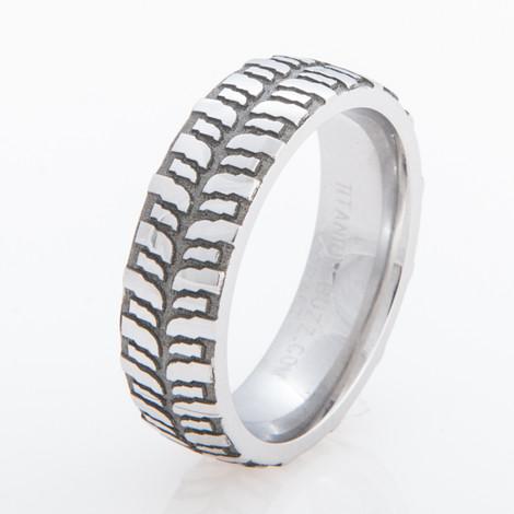 Women's Titanium Mud Bogger Ring
