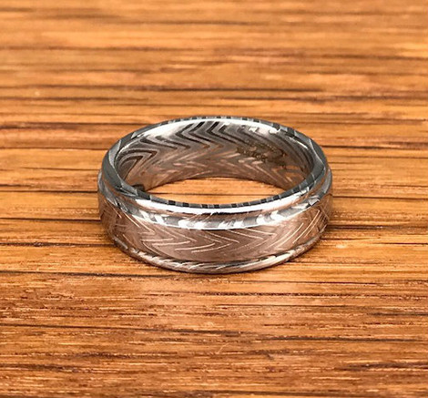 Men's Grooved Edge Zebra Pattern Damascus Steel Ring
