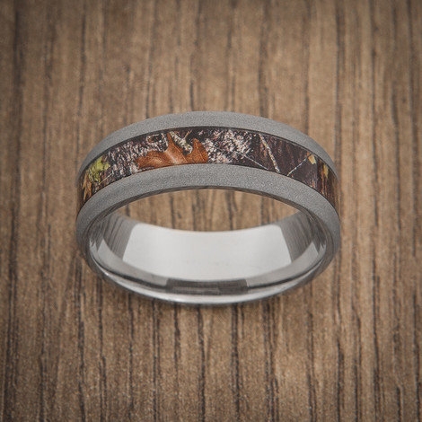 Men's Sandblasted Titanium Mossy Oak Camo Ring