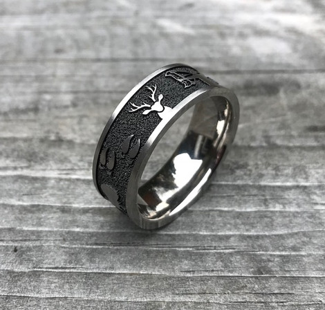 Men's Laser Carved Titanium All Around Hunting Wedding Ring