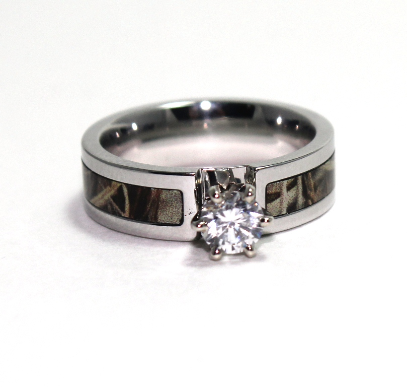 Women's Cobalt Chrome Round Diamond Camo Engagement Band