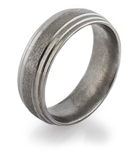 Men's Step Down Titanium Ring